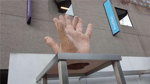 Le cas d'une main coupée. Photo de GrandQuebec.com.