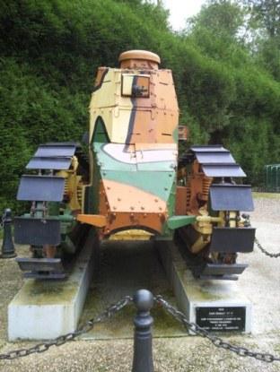 char de combat première guerre mondiale