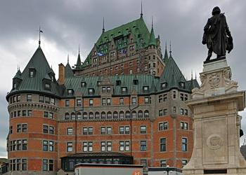 chateau frontenac et monument à champlain