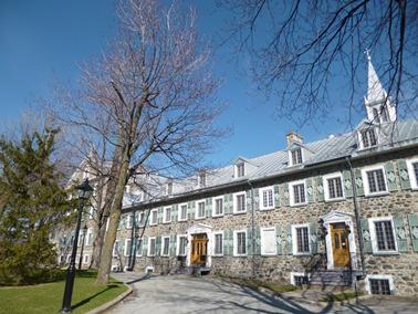 la façade du couvent longueuil