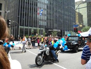 moto en défilé