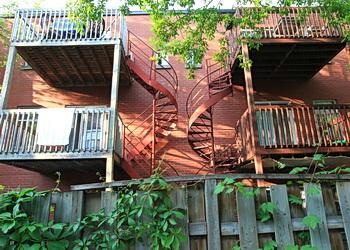 deux escaliers