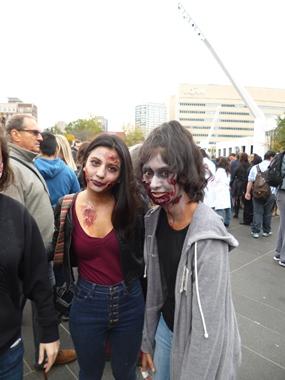 deux filles zombies