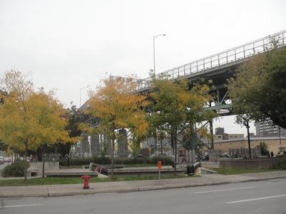 entree du pont cartier