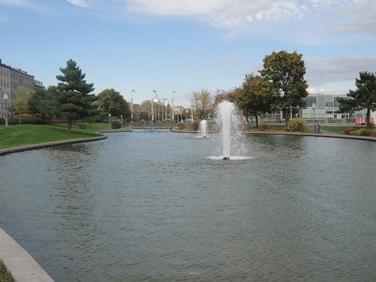 fontaine du vieux port