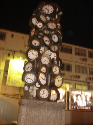 horloges gare saint lazare sculpture