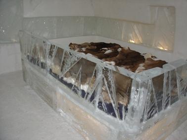 lit de l'hôtel de glace