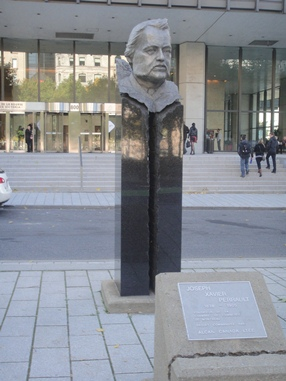 monument perrault