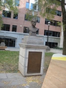 monument louis pasteur