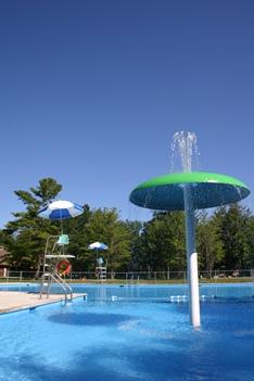 piscine parc du domaine vert
