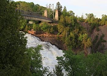 pont suspendu sur la chute montmorency