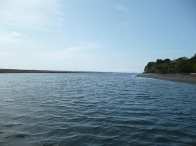 rio de la playa estero