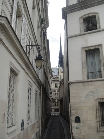 rue paris etroite