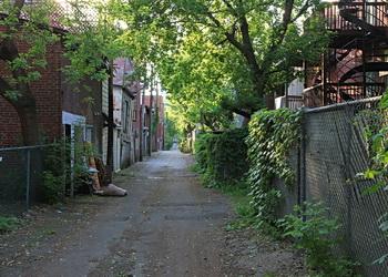centre ville de montréal une ruelle