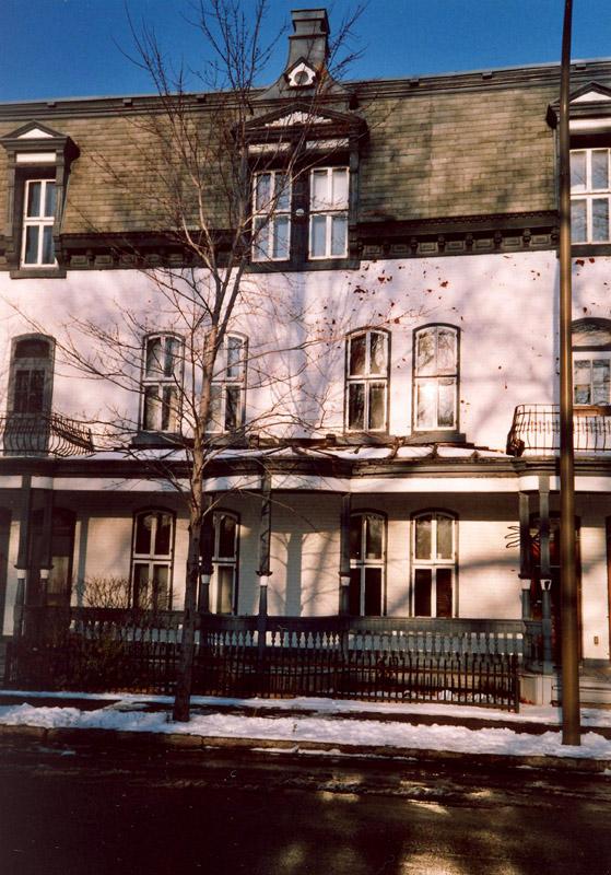 Maisons Avenue Laporte 1 copyright Grandquébec