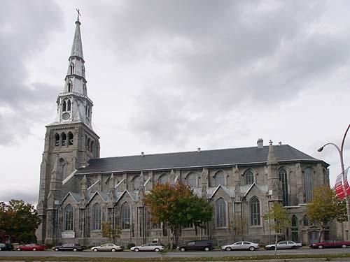 http://grandquebec.com/montreal-touristique/saint-pierre-apotre/
