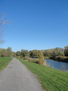 sentier de l'étang du parc