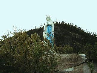 statue notre dame cap trinite