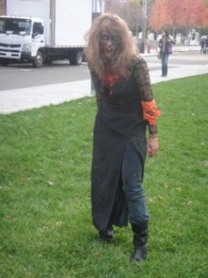 femme zombie terrible