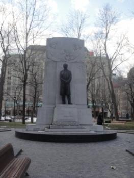 monument laurier